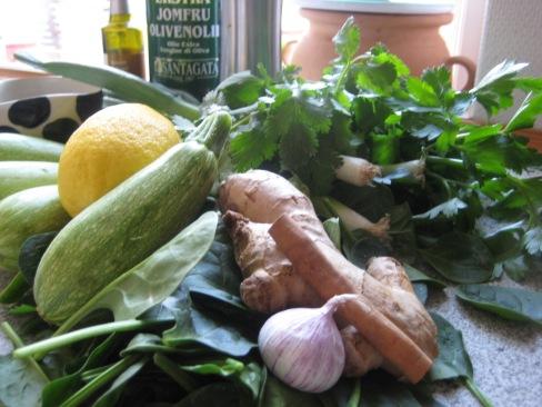 Ingredienser til lun squash salat