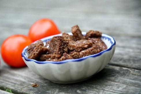 Ravfood Gazpacho, rugbrødscroutoner