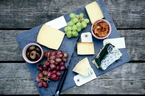 Osteanretning med milde og stærke oste fra Net-ost