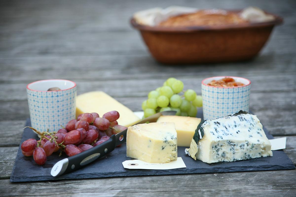 448e6d9c Osteanretning med milde og stærke oste fra Net-ost – Ravfood