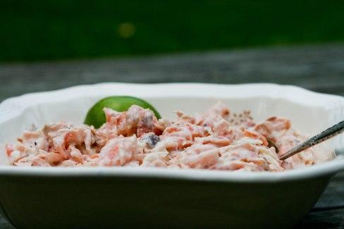 Laksesalat med lime og peberrod