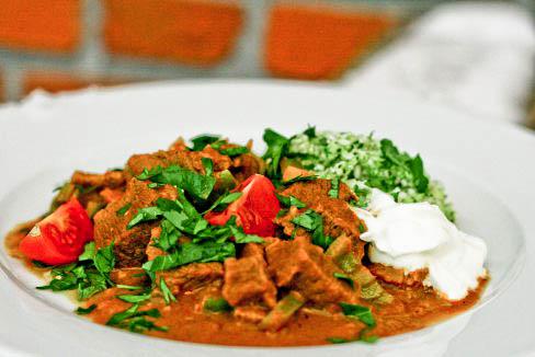 Beef curry med ingefær og blomkålsris