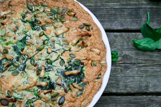 Palæo pie med kylling, porre og spinat