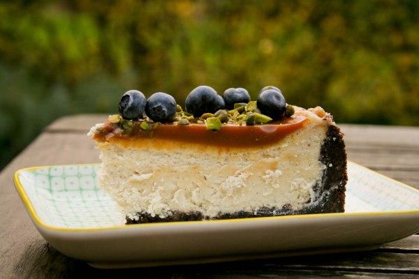 Oreo caramel cheesecake