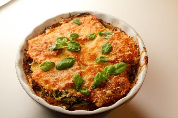 Gratineret squash spaghetti med oksekød