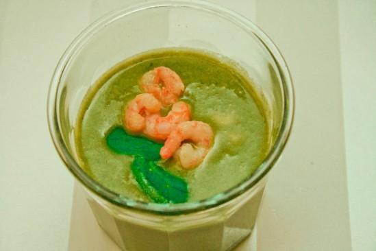 Thaisuppe med spinat, grøn karry og rejer
