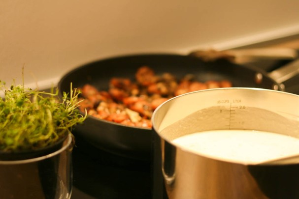 Cremet suppe med blomkål, jordskokker og citron