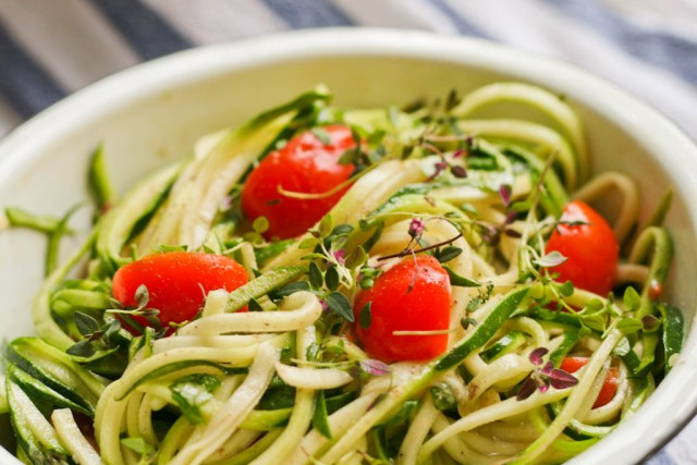 Squash spaghetti salat