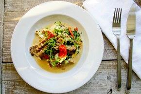 Ovnbagt torsk med svampe, spinat ogfeta
