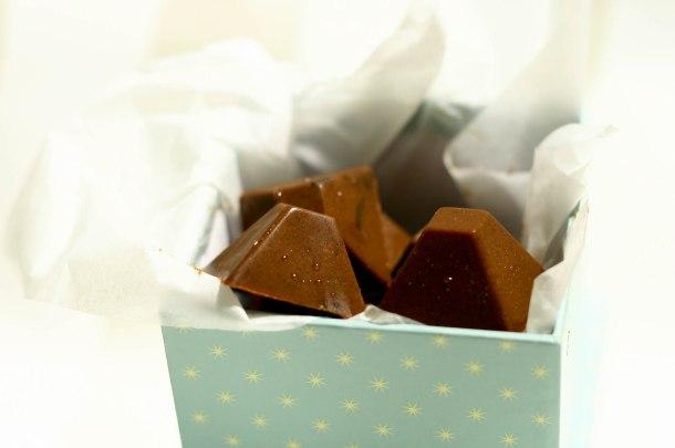 Chokoladebombermed chiafrø og kakaonips-2