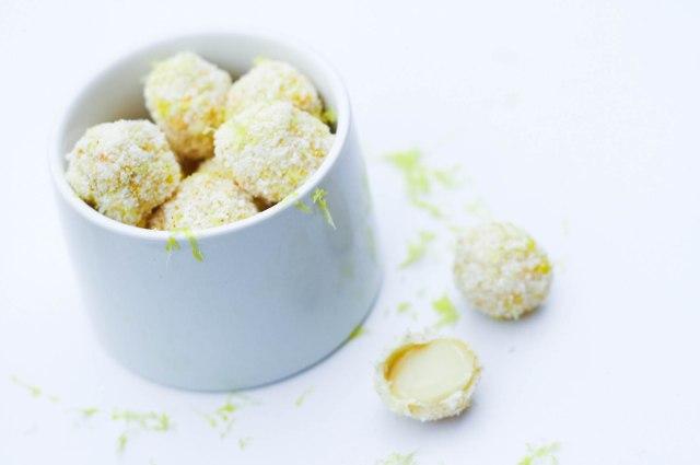 Macadamianødderi hvid chokolade med kokos, citron og cayenne-5