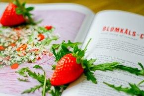 Skønne salater & vidunderligt tilbehør – boganmeldelse og giveaway