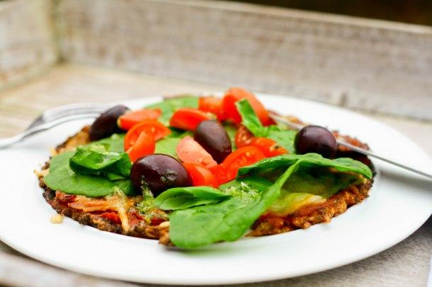 LCHF blomkålspizza med sprødere bund-4