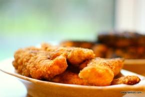Kyllingfilet paneret iflæskesvær