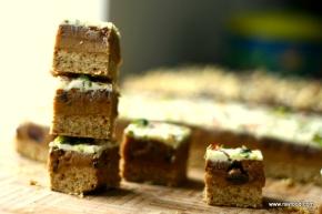 Snicker Bites med fyld af CookieDough