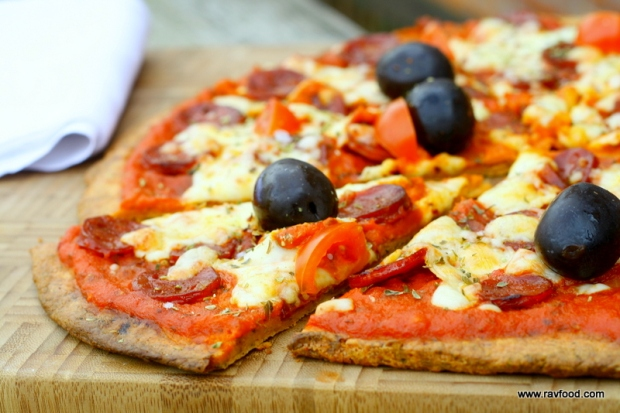 LCHF Pepperoni pizza med sprød bund
