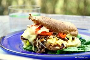 Philadelphia Cheesesteak Sandwich med karamelliserede løg ogchutney