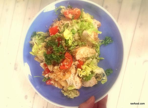 Frokostkylling med tomat, quinoa og pesto.