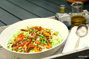 Kinakål med brændte gulerødder og sprødeærter