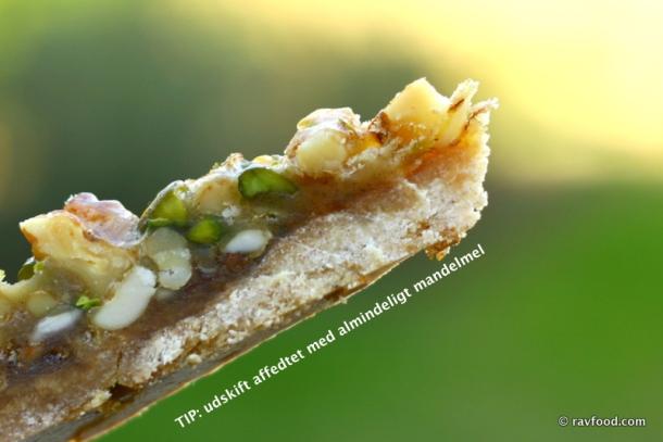 Nøddekarameltærte, sukker- og glutenfri