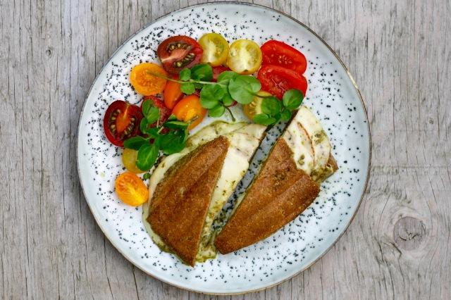 Panini med skinke, ost og pesto