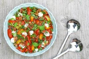 Tomat- og baconsalat