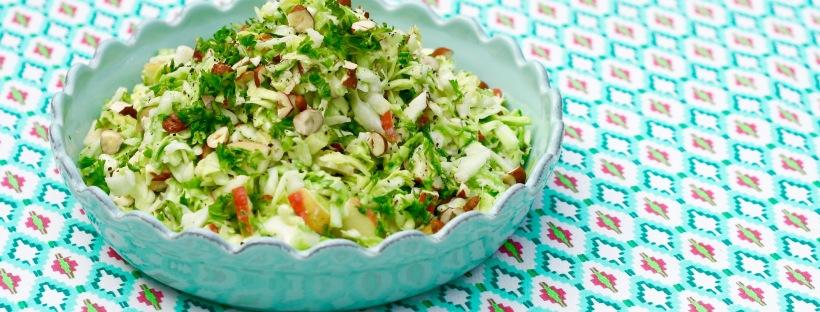 Salat Med Spidskål æble Nødder Og Persille Ravfood